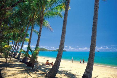 Palm Cove Beach in Tropical North Queensland