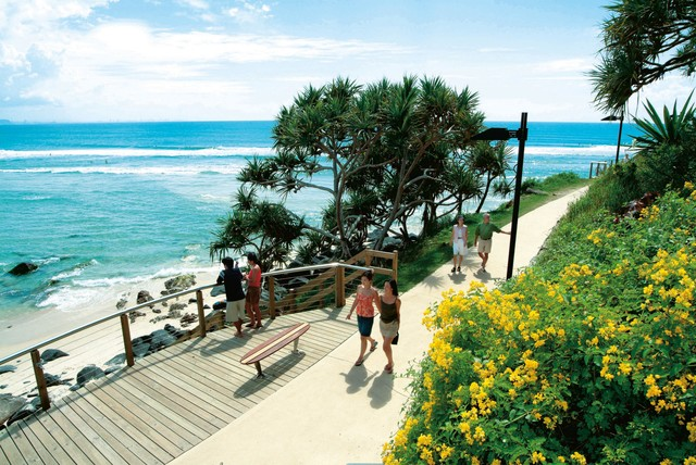 Coolangatta's scenic boardwalk from Greenmount Beach around to Rainbow Beach - Discover Queensland