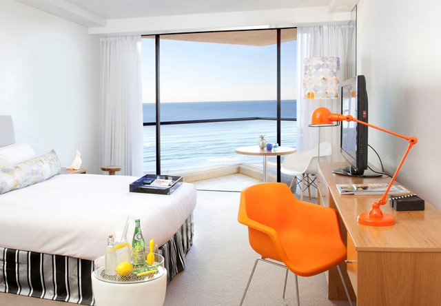 QT Gold Coast King Ocean View Room