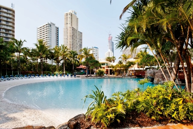 Mantra Crown Towers Surfers Paradise Lagoon Area - Hightide Holidays