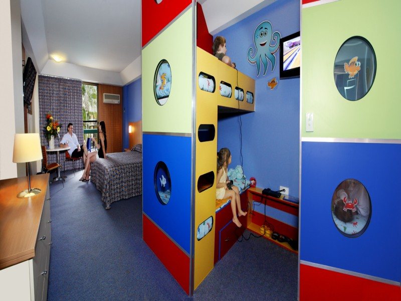 King Bunkhouse Room in Paradise Resort Surfers Paradise - Discover Queensland