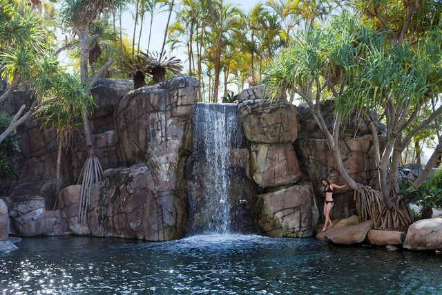 Marriott Surfers Paradise Lagoon Pool Waterfall - Discover Queensland