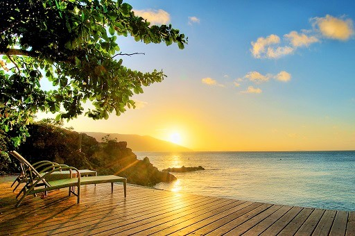 Daydream Island Sunset from Lovers Cove - Discover Queensland