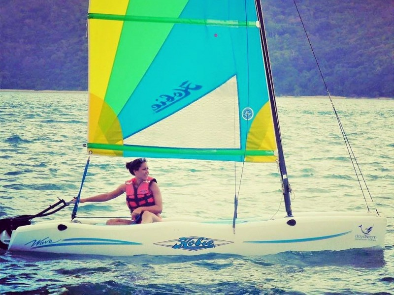 Catamaran Sailing on Daydream Island - Discover Queensland