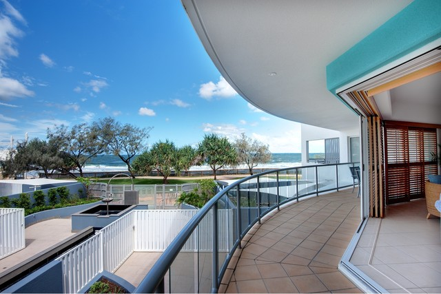 3 Bedroom Oceanfront Balcony in Rolling Surf Resort Caloundra - Sunshine Coast Accommodation - Discover Queensland