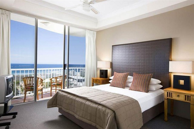 1 Bedroom Apartment in Broadbeach on the Gold Coast at Bel Air on Broadbeach - Discover Queensland