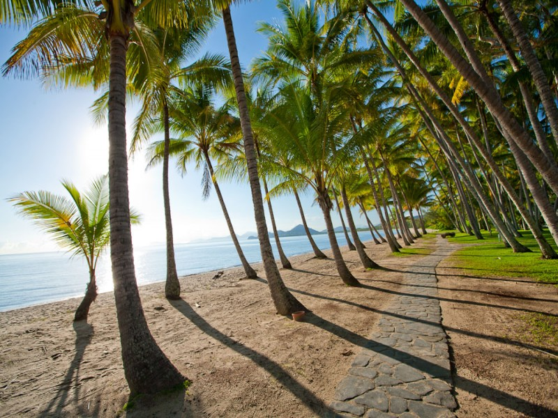 Palm Cove, Tropical North Queensland Esplanade - Hightide Holidays
