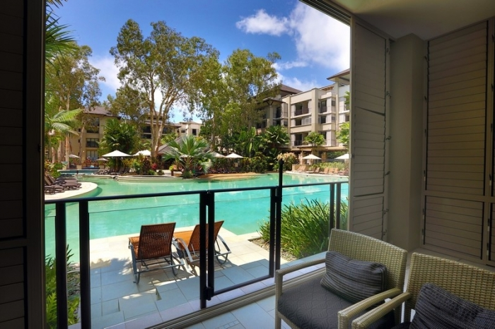 1 Bedroom Swim Out Apartment in Sea Temple Palm Cove Boutique Collection - Hightide Holidays