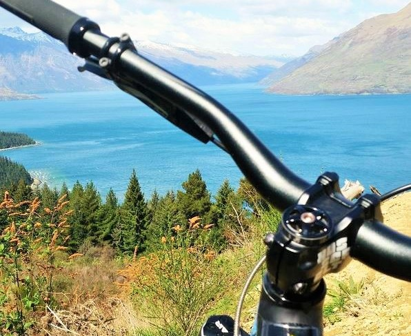 Morning Mountain Biking on the Gibbston Valley Trail - Queenstown Holidays