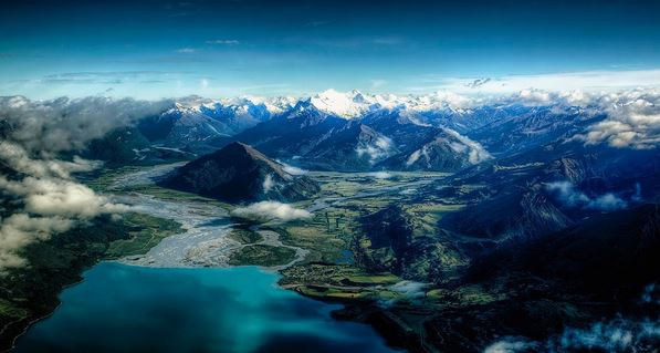 Flying over the Fiordland in Queenstown. Breathtaking. By @seosphotography via Instagram - Queenstown Holidays