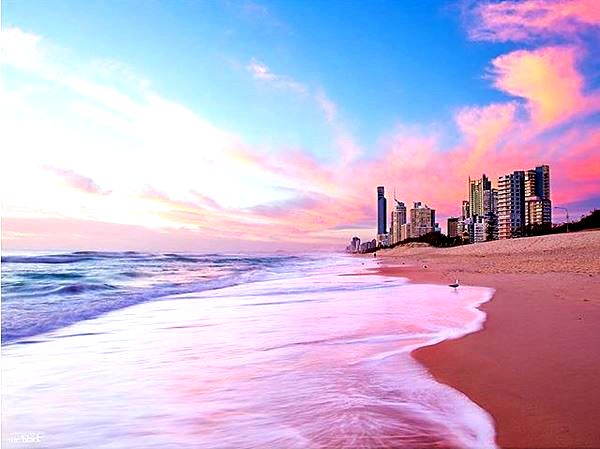 Broadbeach Beach at Sunset by @sueblackphotos - Discover Queensland