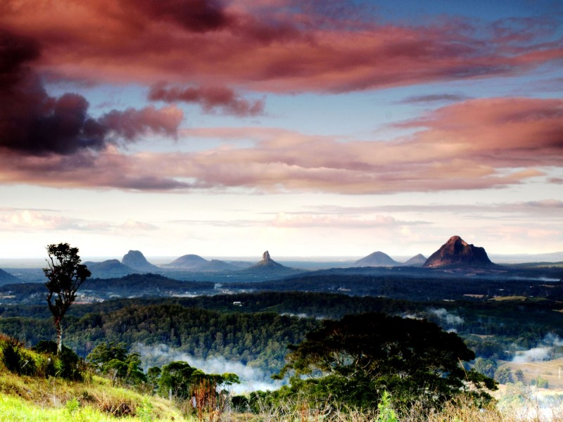 The Glasshouse Mountains from Maleny - Discover Queensland