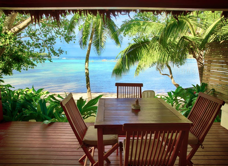 Vale Vale Beachfront Villas - Front Deck onto Vanuatu Beach - Hightide Holidays