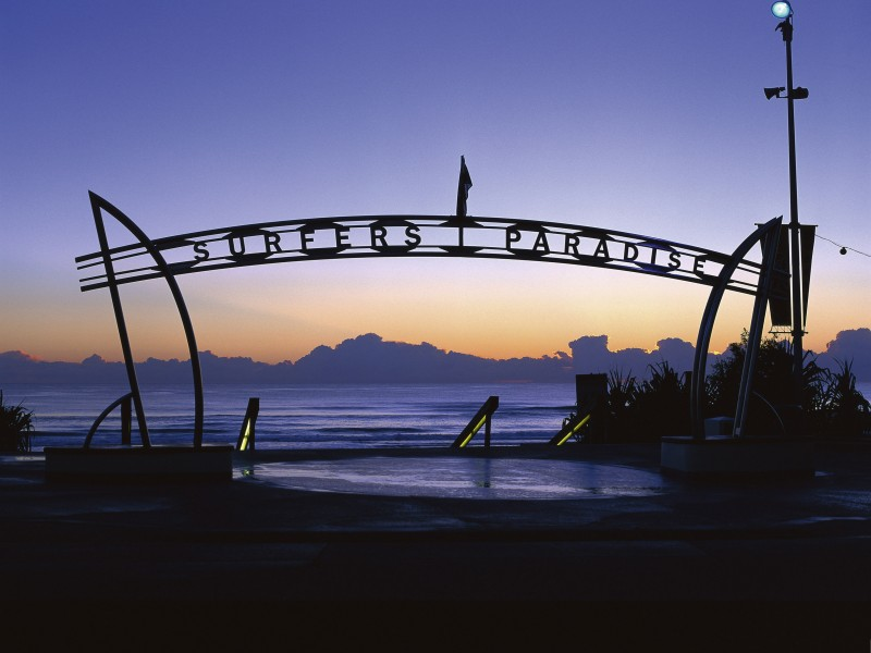 Surfers Paradise Beach Sign - Discover Queensland