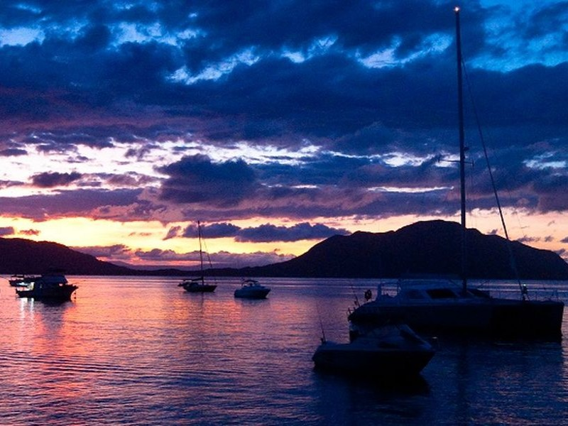 Dreamy Sunset over Fitzroy Island | Discover Queensland