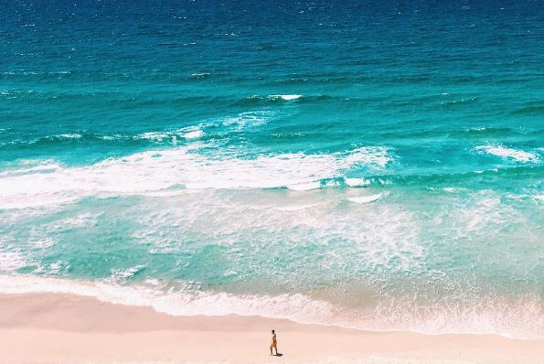 Mermaid Beach, Queensland by @georgeetan | Discover Queensland
