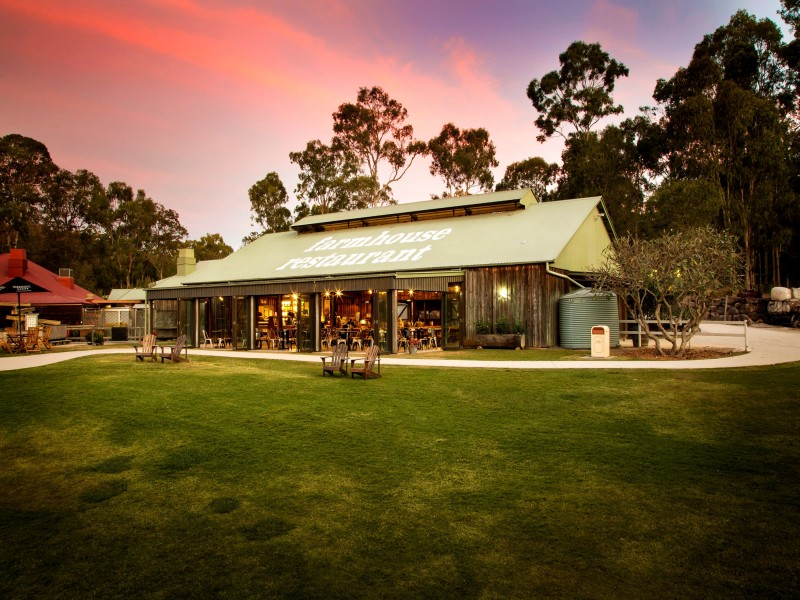 Paradise Country Farmhouse Restaurant - Discover Queensland