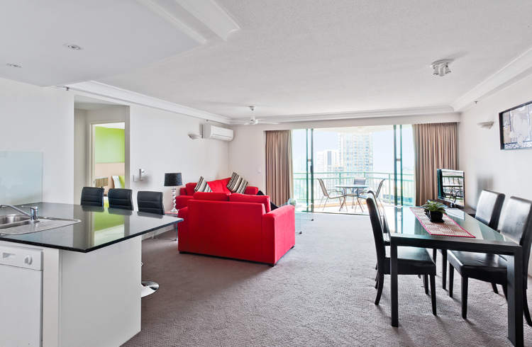Mantra Crown Towers Surfers Paradise Two Bedroom Apartment - Hightide Holidays