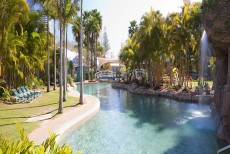 Broadbeach Escape: Breakfree Diamond Beach