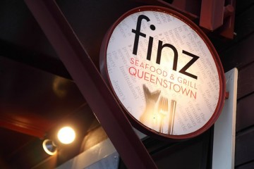 Finz Restaurant Sign - Queenstown Holidays