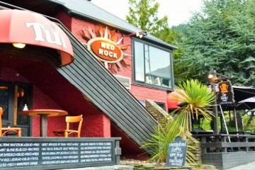 Red Rock Bar & Cafe - Queenstown Holidays