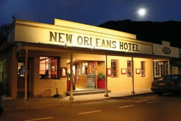 New Orleans Hotel Exterior - Queenstown Holidays