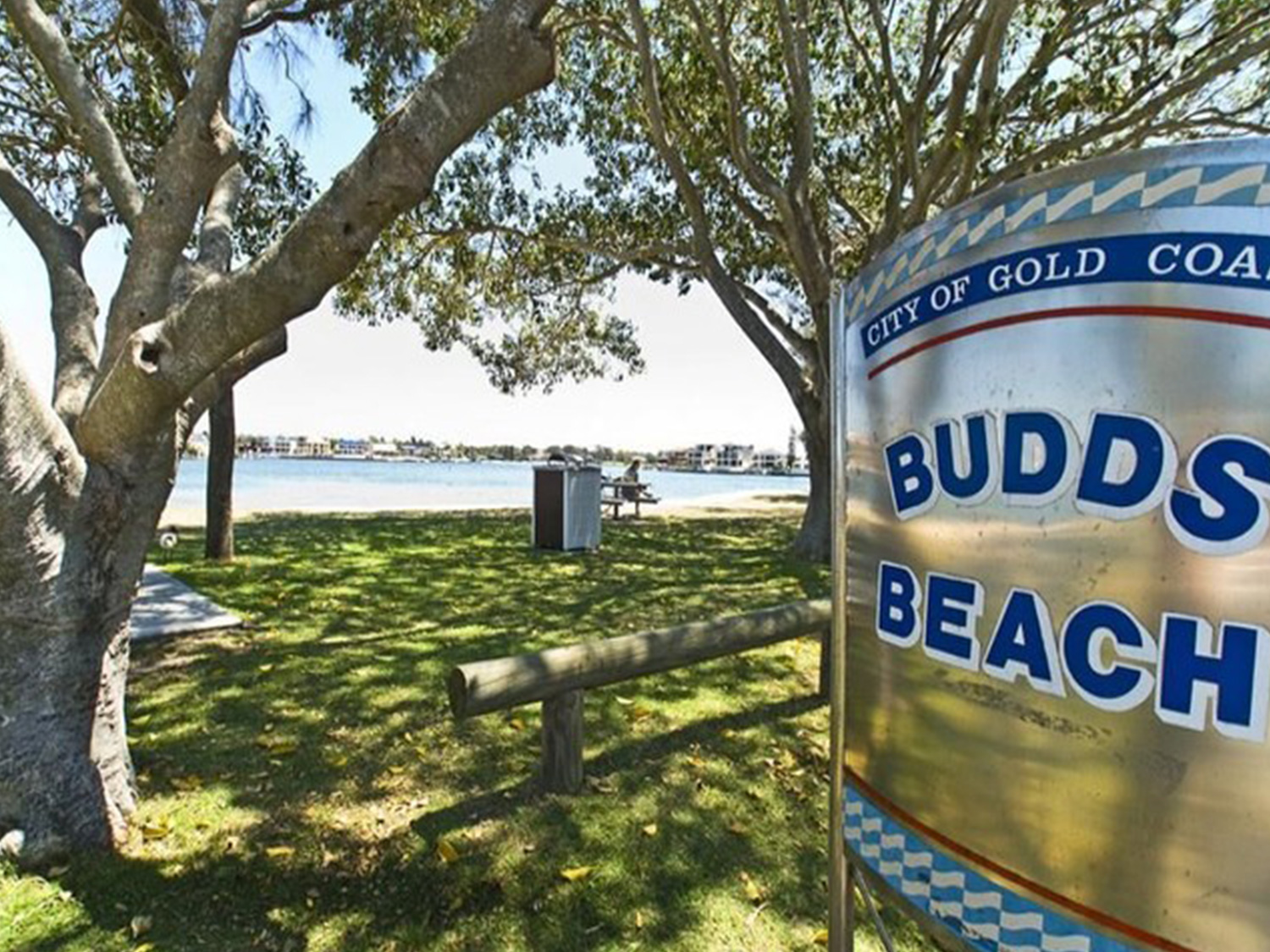 Budds Beach Apartments