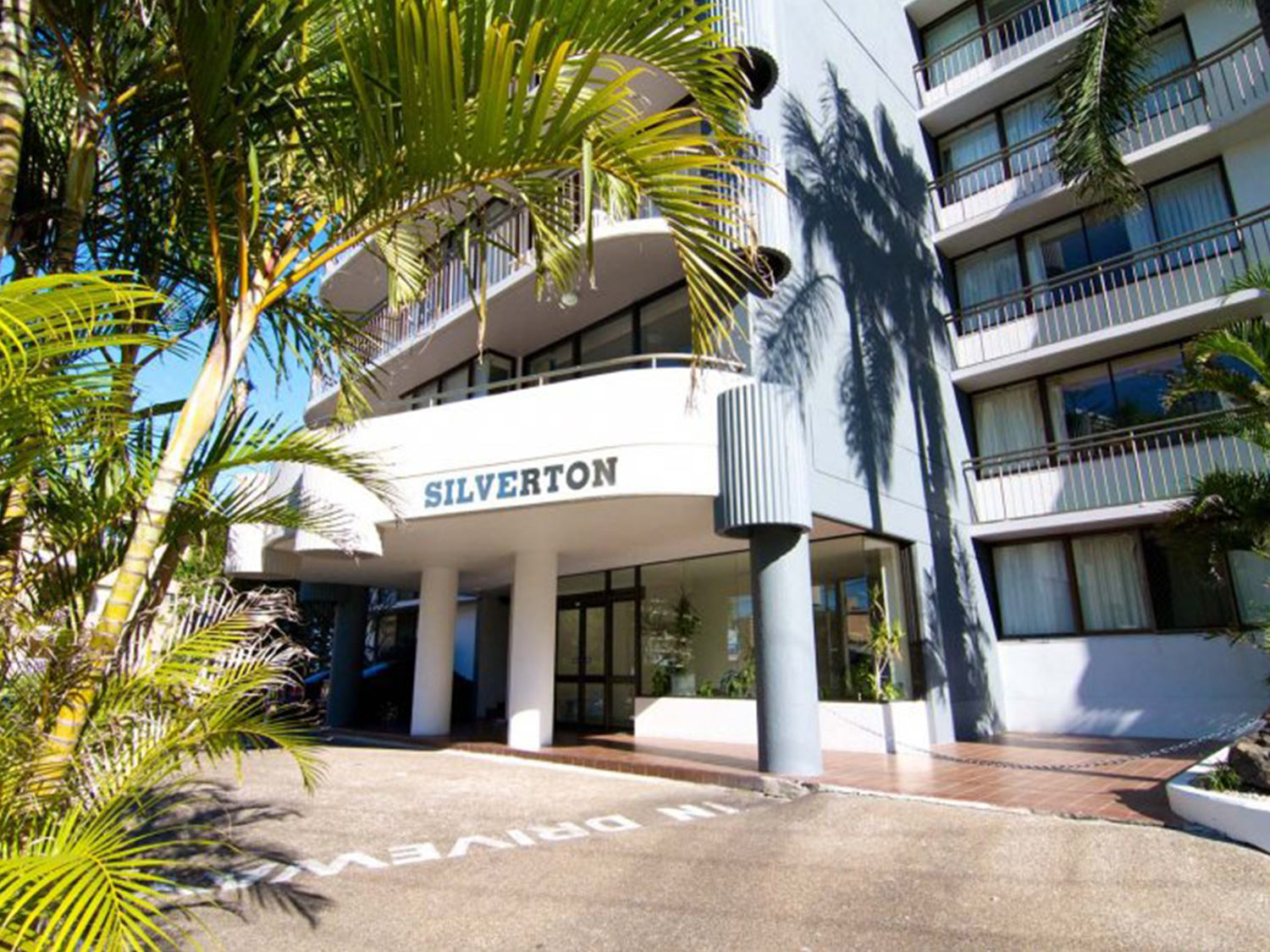 Silverton Apartments