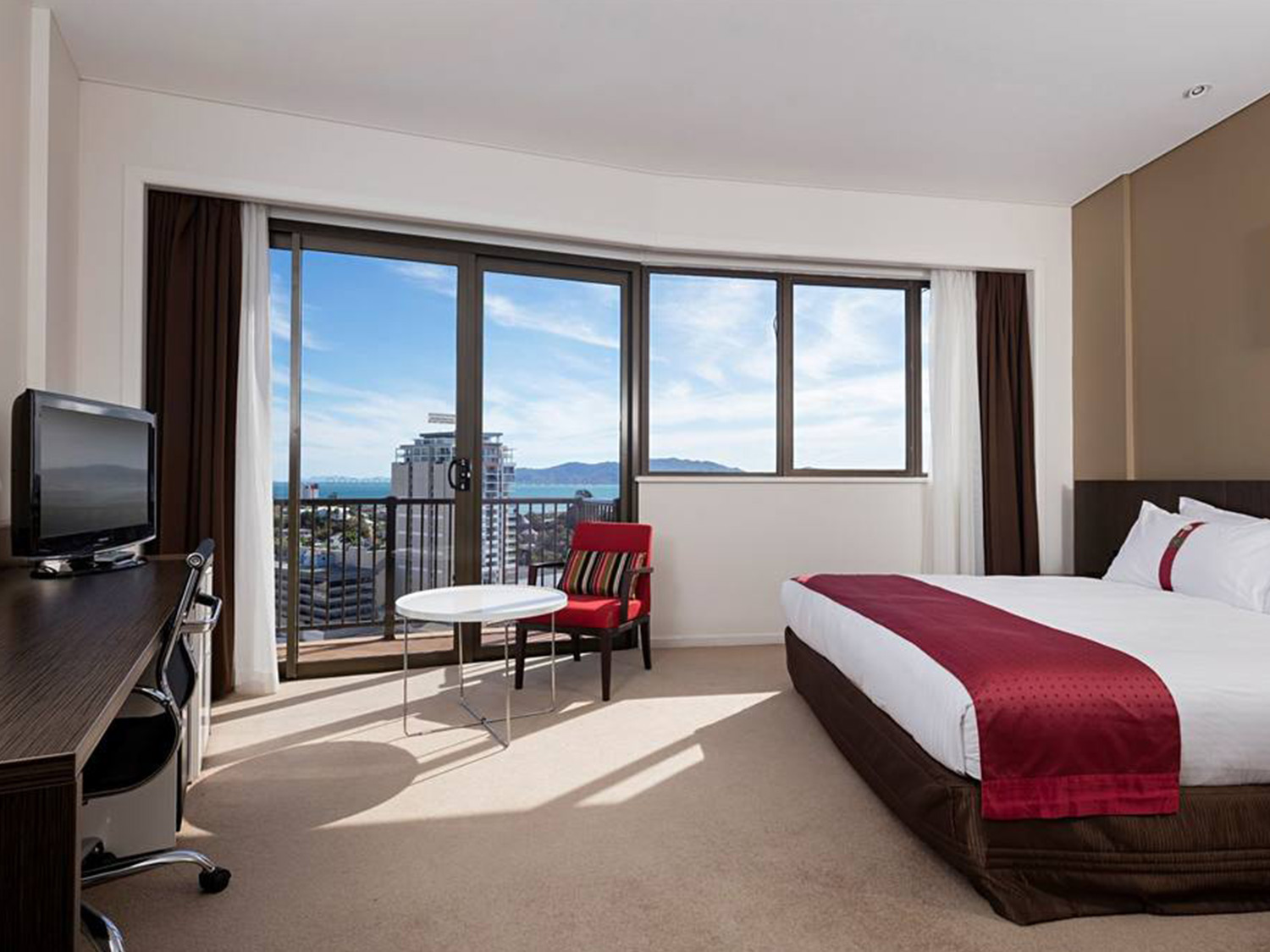 Hotel Grand Chancellor Townsville | Hightide Holidays