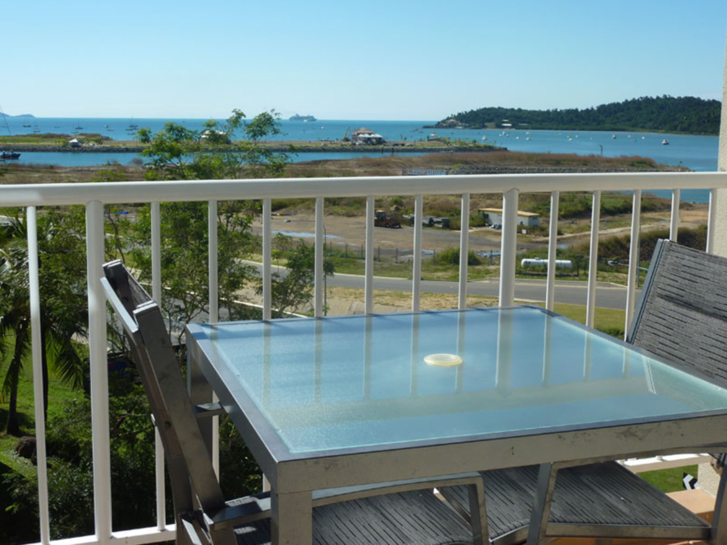 Whitsunday Vista Resort Bayview Spa Suite