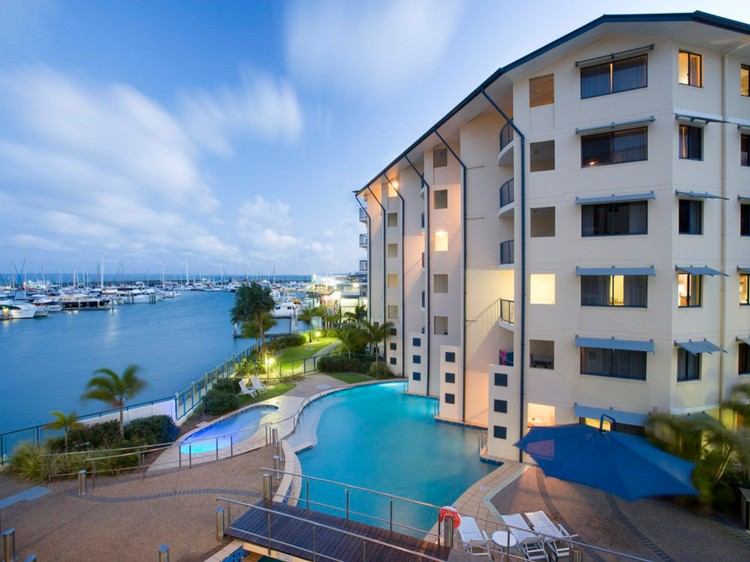 Mantra Hervey Bay 3 Bedroom Apartments