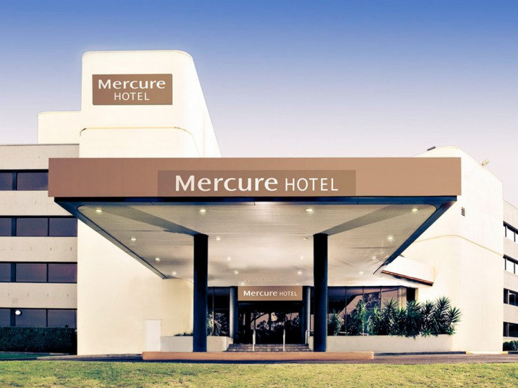 Mercure Penrith Family