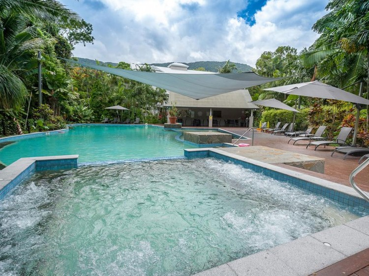 Oasis at Palm Cove 3 Bedroom Apartments
