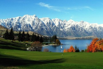 Queenstown Golf Club Mountain Range Backdrop View - Queenstown Holidays