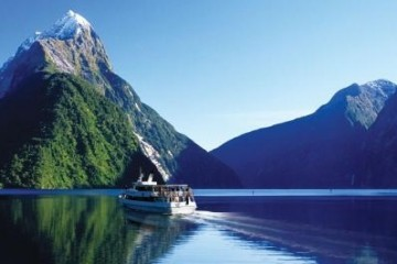 Jucy Cruise Milford Sound - Queentown Holidays