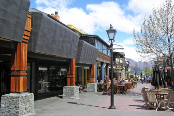 Queenstown Mall - Queenstown Holidays