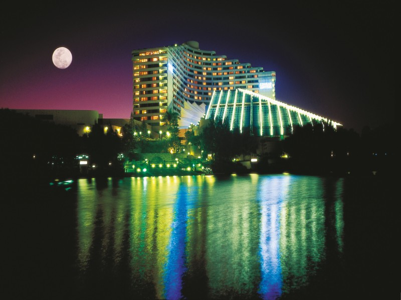 Jupiters Casino Night View