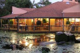 Reflections Restaurant Oaks Oasis Caloundra - Hightide Holidays