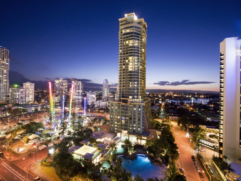 Mantra Crown Towers Surfers Paradise Nightview - Hightide Holidays