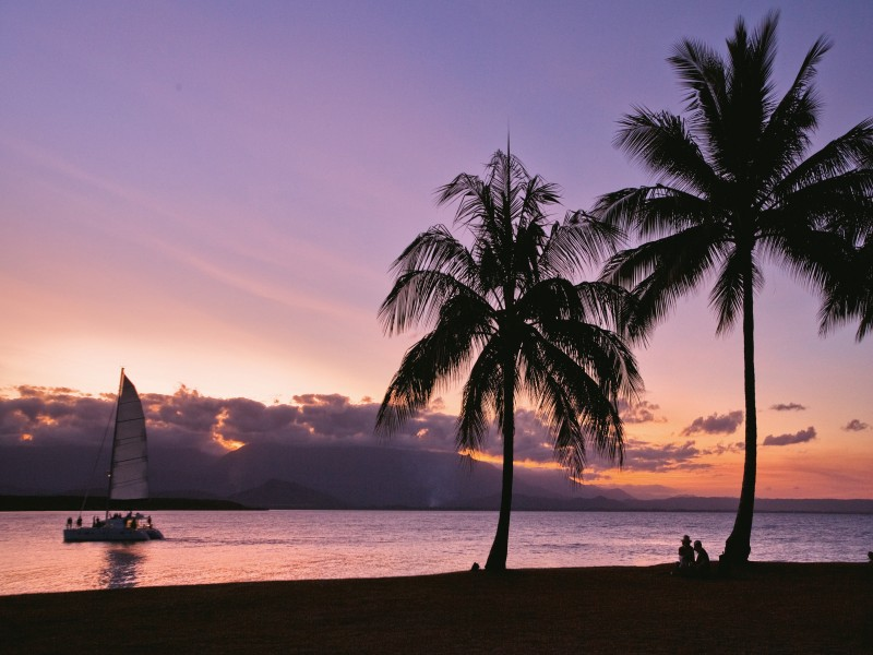 Port Douglas Sunset over Anzac Park | Discover Queensland