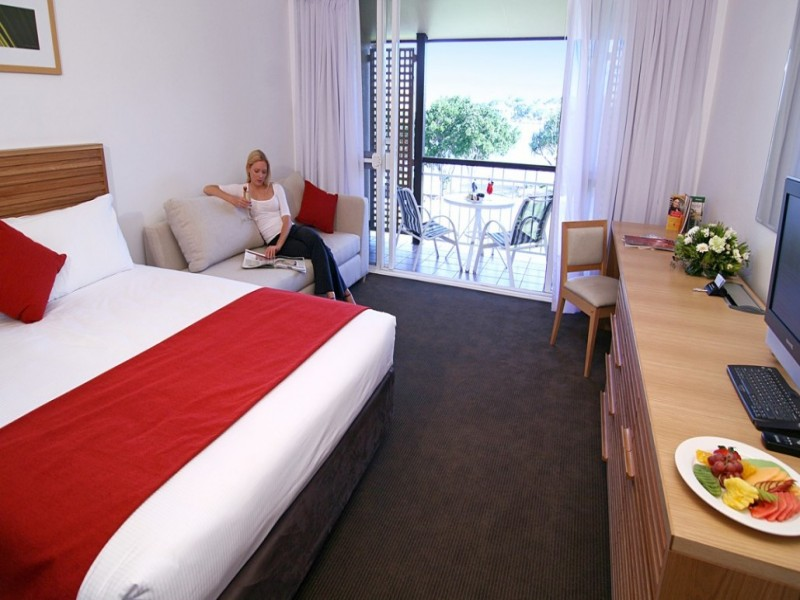Queen Bed in a one bedroom apartment in Novotel Twin Waters - Discover Queensland