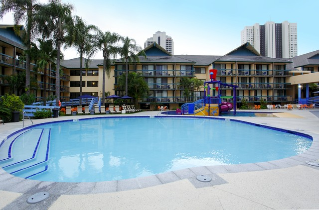 Paradise Resort, Sufers Paradise, Lagoon Pool Area - Discover Queensland
