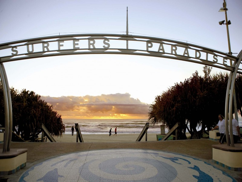 Surfers Paradise Beach Entry - Hightide Holidays
