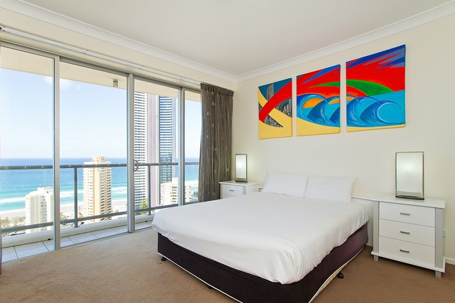 The Towers of Chevron Renaissance Bedroom - Hightide Holidays