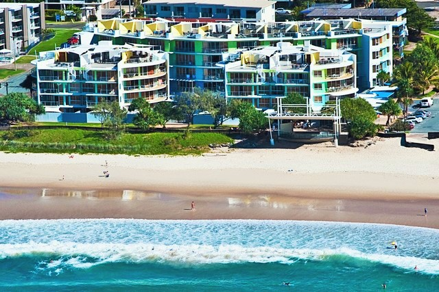 KIngs Beach in Caloundra along the beautiful Sunshine Coast - Discover Queensland