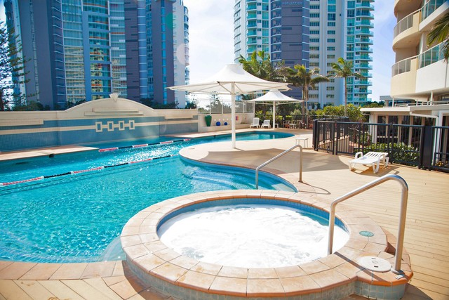 Mantra Twin Towns Resort Pool and Spa - Discover Queensland