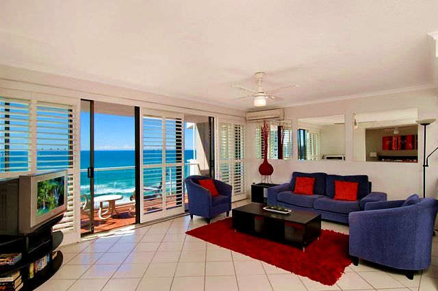 1 Bedroom Superior Lounge in South Pacific Plaza - Discover Queensland