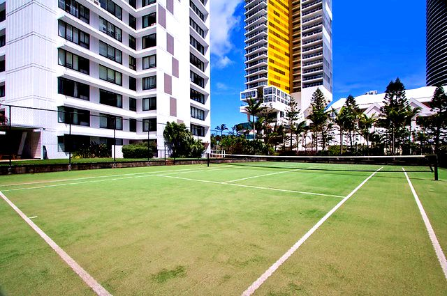 South Pacific Plaza Tennis Court - Broadbeach Accommodation - Discover Queensland