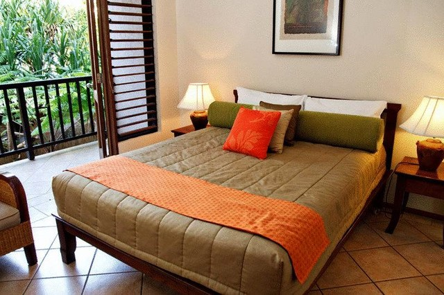 Hibiscus Resort & Spa Apartment with Balcony in Port Douglas - Discover Queensland