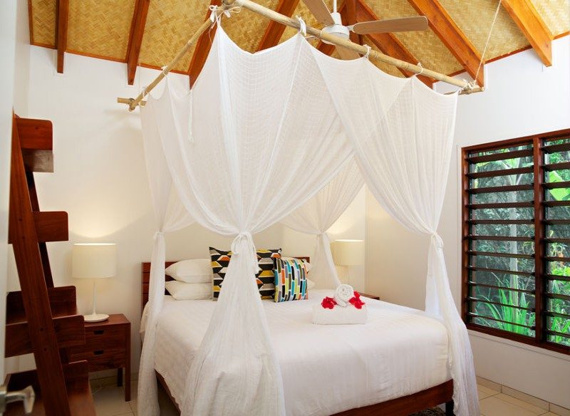 Vale Vale Villas King Size Bed - Vanuatu Luxury Accommodation - Hightide Holidays